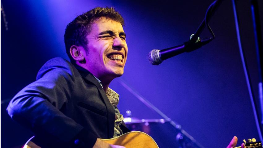 Der junge Franzose Flo Bauer ist gerade einmal 20 Jahre alt und mischt die internationale Bluesszene bereits mächtig auf. - (Foto: Christophe Losberger)