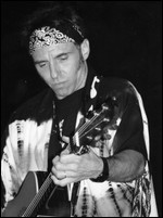 Nils Lofgren - © Gerry Gardner on de.wikipedia.org (01.01.1997)