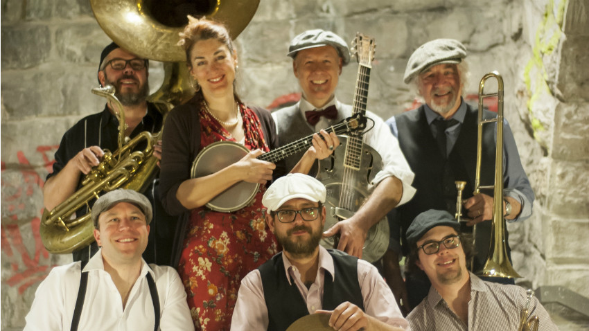 Le Red Hot Serenaders Orchestra joue du swing et du blues traditionnel sur des instruments authentiques. - Source : redhotserenaders.ch